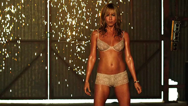 14-jennifer-anniston-lingerie
