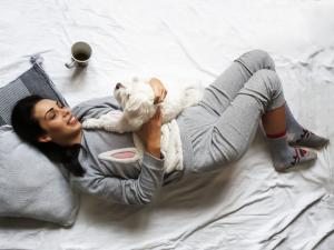 Como escolher o pijama ideal para curtir o inverno?