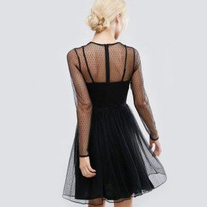 Vestido com transparência + Luxo